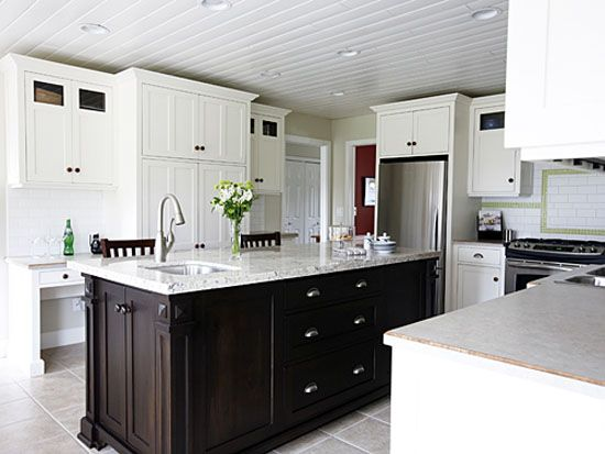 Square kitchen kitchen designs with islands and kitchens for Square kitchen ideas