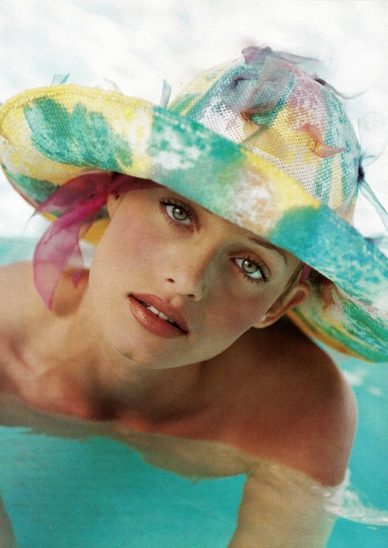Amber Valletta by Patrick Demarchelier | Harper's Bazaar, June 1993: