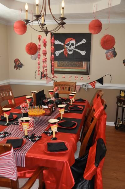 Pirates, this is my favorite theme for a little boy, there are so many great ideas, and kids always love it!: Birthday Parties, 5Th Birthday, Party Stuff, Pirate Ideas, Theme Ideas, Little Boys, Party Ideas, Table Ideas, Birthday Ideas