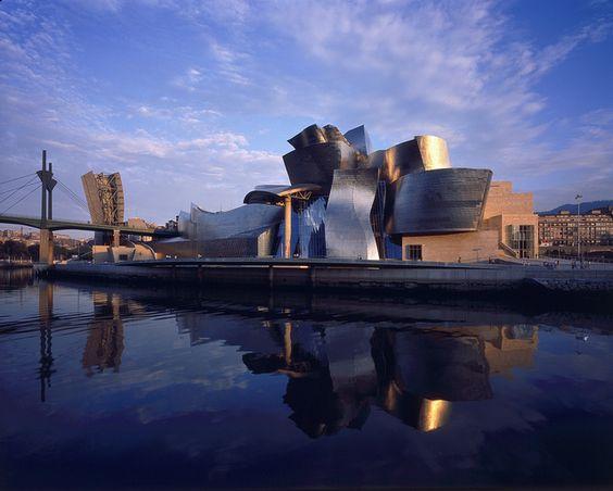 museo guggenheim bilbao by Guggenheim Bilbao Museoa, via Flickr