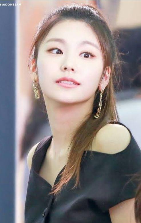 Her Obsession Yandere Jennie Kim X Female Reader Itzy Kpop Girls Beauty