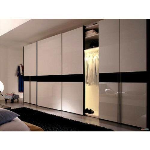 Bedroom Closets With Sliding Doors In 2020 Wardrobe Design Bedroom Sliding Wardrobe Designs Sliding Door Wardrobe Designs
