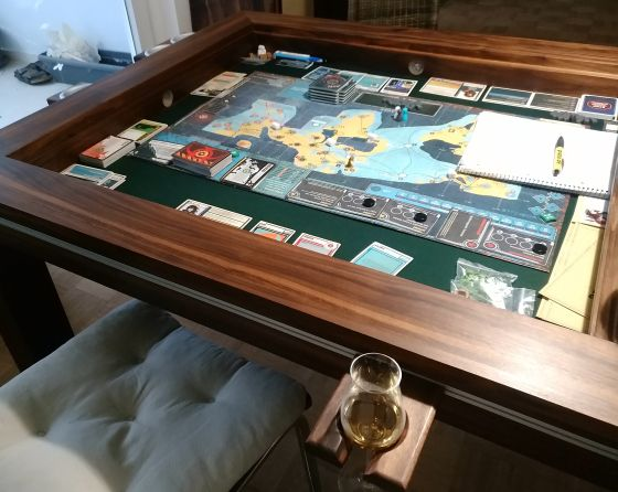 Spieletisch Board game table | Gaming tisch, Alu leiste, Tisch