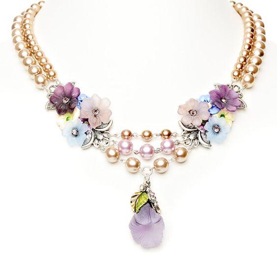 """Elegantes Collier """"Blütenreich"""" aus der Lola Paltinger Schmuck Kollektion."""