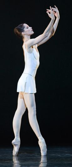 Darcey Bussell in MacMillan's Song of the Earth
