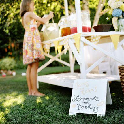 wedding-lemonade-stand