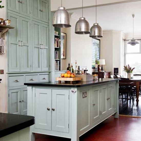 Simple Modern Victorian Kitchen