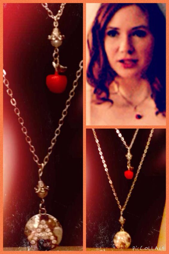 "Doctor Who: Amy Pond Apple & ""A"" Necklace Set! New!"
