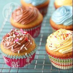 lescommentaires sonttrèspositifs, réduire à 150 ou170gle sucredansla pâte à cupcake. et aussi à450g au lieu de 600g pour la crème au beurre