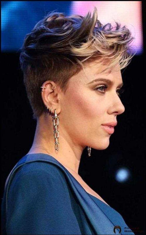 30 Best Scarlett Johansson Short Hair Hair Coole Bob Books Coolesth Books Coole Coolesth Johan Kurzhaarfrisuren Haarschnitt Blonde Pixie Schnitte
