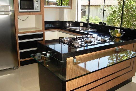 Cozinha preta e marrom: super elegante