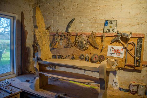 viking carving viking carving Wikinger Schnitzerei und Möbel Design by Reiner van Ophuysen