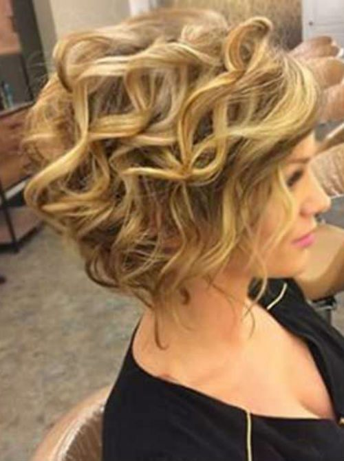 Elegant Curly Hairstyles For Women For Prom Hair And Comb Hair Styles Womens Hairstyles Simple Prom Hair