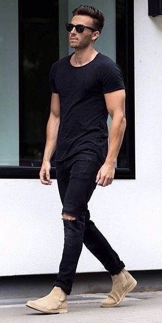 Summer outfit idea with a black t shirt black ripped jeans