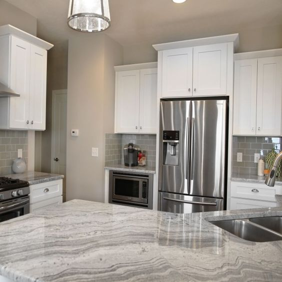 Cabinets doors and 10x10 kitchen on pinterest for Kitchen cabinets 10x10