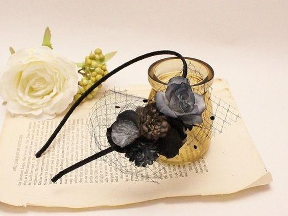 カチューシャ人気で完売していたカチューシャシリーズが再登場♪小さめのお花がブーケのように集まったカチューシャ。 sweetになりすぎないようにお花の下に、チュ...|ハンドメイド、手作り、手仕事品の通販・販売・購入ならCreema。