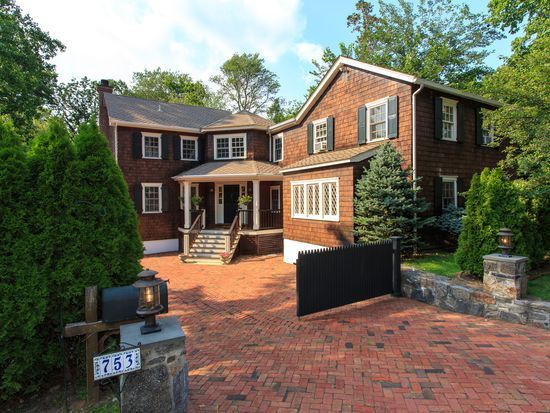 753 Boston Post Rd Rye Ny 10580 Zillow House Styles House Zillow