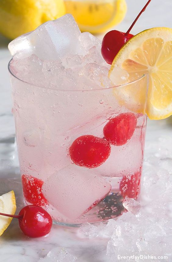 This Tom Collins cocktail has been popular since the mid-nineteenth century and is a favorite among gin lovers.