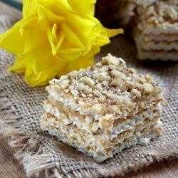 Traditional Easter Recipes | Traditional Easter Walnut Wafers #Recipe #Dessert #Easter #Traditions