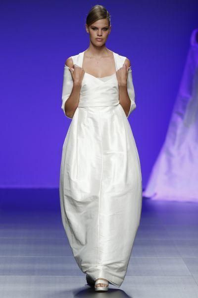 Robes de mariée Cymbeline 2016 : Quand avant-garde et tradition se lient à la perfection Image: 8