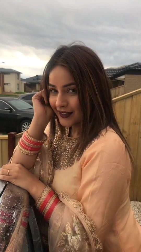 Shehnaz Gill Shehnazgill1 On Tiktok In 2020 Girl Pictures Indian Celebrities Bollywood Celebrities