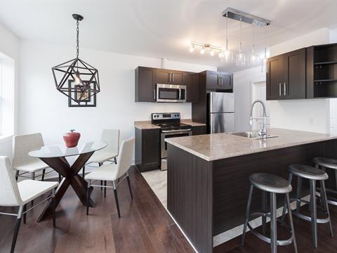 Condo Appartement A Louer A Pointe Claire 1 100 Mois Home Home Decor Decor