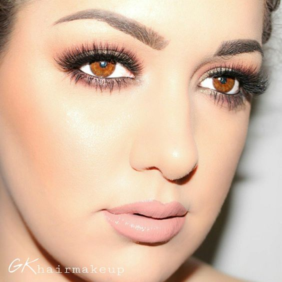 Stunning makeup look. Lashes are ESQIDO mink eyelashes in Voila Lash.