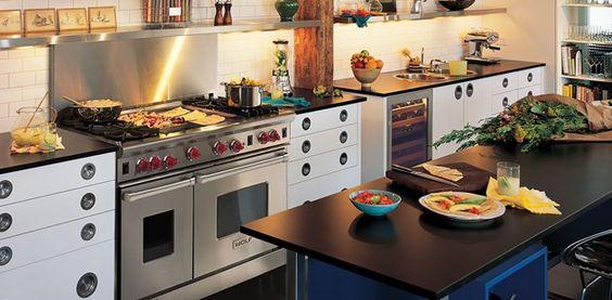 Wolf Range | Gas Ranges | Sub-Zero & Wolf Appliances