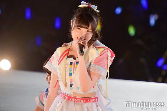 かわいい衣装の矢吹奈子