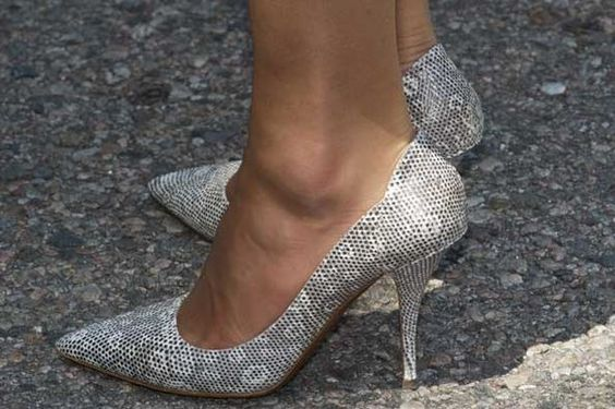 July 2, 2011 - Kate's Tabitha Simmons shoes