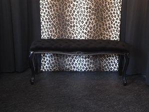 Bench  Black Velvet
