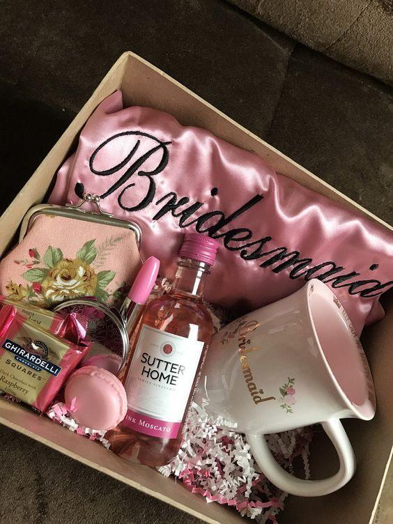 Idée Box Cadeau Cadeau demoiselle d'honneur   idées inspirantes et touchantes en