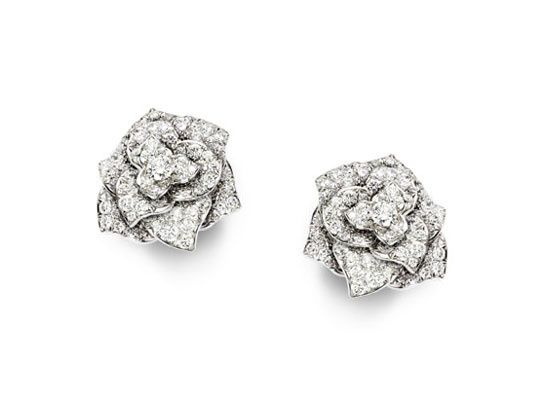 Diamants éternels: Piaget boucles doreilles Rose http://www.vogue.fr/joaillerie/shopping/diaporama/diamants-eternels-festival-de-cannes-2013-boucles-d-oreilles/13194/image/753232#!diamants-eternels-piaget-boucles-d-039-oreilles-rose
