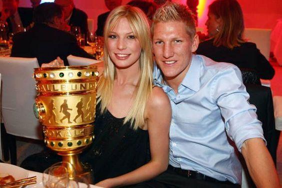 Bastian Schweinsteiger (29)  und  Sarah