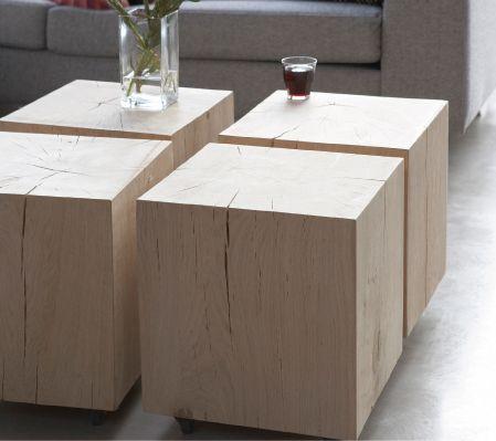 Houten blokken op maat gemaakt voor toepassing als een stoere bijzet- of salontafel. Handige gerubberde wielen maken de sokkels nog prima verplaatsbaar. www.houtmerk.nl