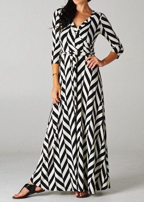 Long Sleeve Maxi Dress Black &amp- White Chevron Pattern - Things a ...