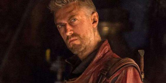 Sean Gunn as Kraglin
