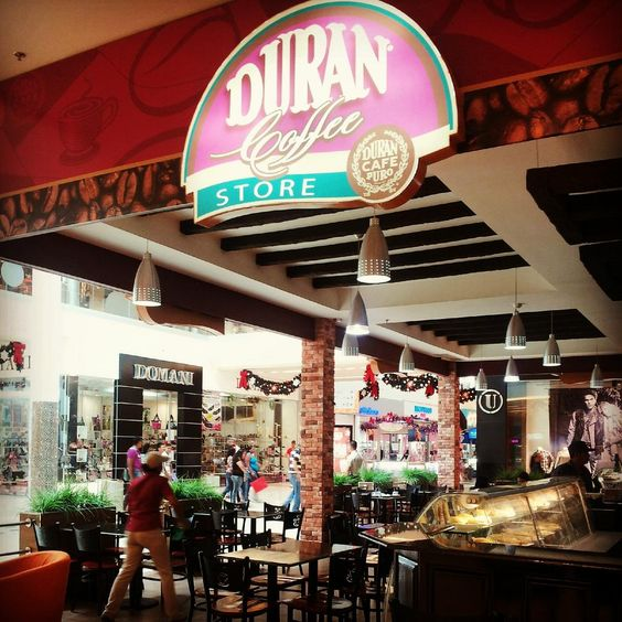 Este es el #CofeeStore donde nuestra amiga @melmsoli disfruta del sabor del mejor Café.