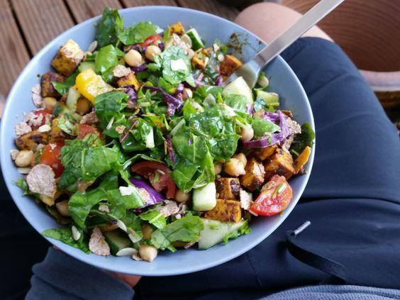 Protein Salat + gesunde Eiweißquellen - ATTILA HILDMANN