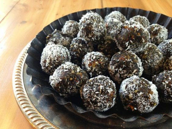 Spirulina Balls : spirulina normally tastes like rotten feet but with enough cocoa and stuff these aren't too bad
