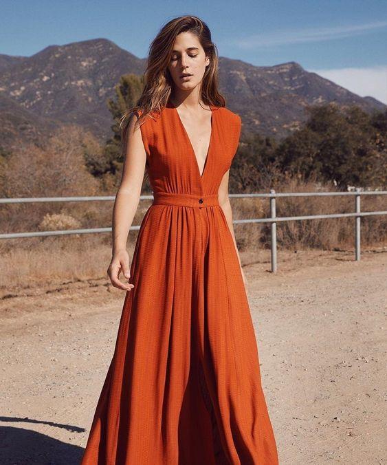 Красивая модель летнего не ложного длинного платья. Цвет что-то из естественных Christy Dawn, Rosemary Dress in Rust