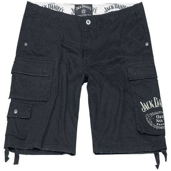"""Vrije tijd, outdoor of feestjes, deze broek is geschikt voor elke gelegenheid. De zwarte """"Jack Daniel's - Old No. 7"""" korte broek heeft een vintagestijl en een loose fit, altijd relaxed en genoeg ruimte! Met Jack Daniel's logo op de linkerzak."""