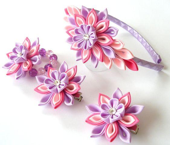 Kanzashi Stoff Blumen. Satz von 4 Stück.  Hot Pink, lt. Rosa mit Orchideen.