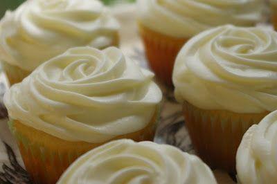 Lemon-blueberry cupcakes with whipped lemon cream cheese frosting via 4goodnessbake! at www.4goodnessbake.blogspot.com