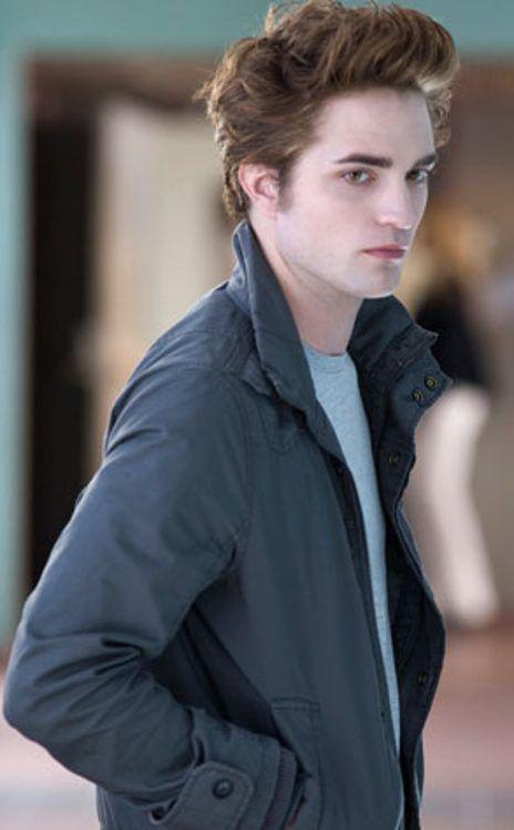 TWILIGHT MOVIE SCENES  Robert Pattinson, Twilight