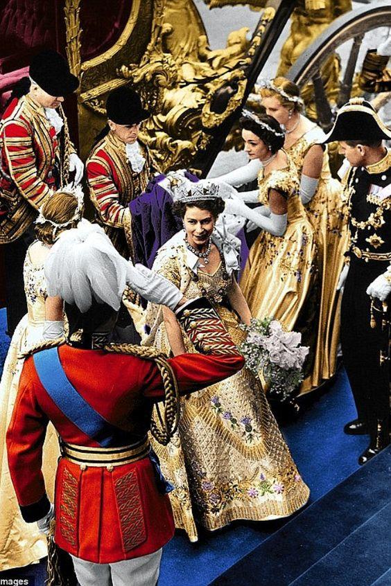 Coronation of Queen Elizabeth II. Amazing picture for her highness Queen Elizabeth II.