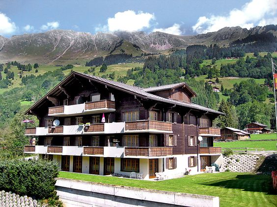 Diablerets-Parc A/B/C - Apartment - LES DIABLERETS - Switzerland - 1856 CHF 3-room apartment 76 m2 on 3rd floor. Partly with sloping ceilings, comfortable and modern furnishings: living/dining room with 1 double sofabed, satellite TV and radio. Exit to the balcony, south faci