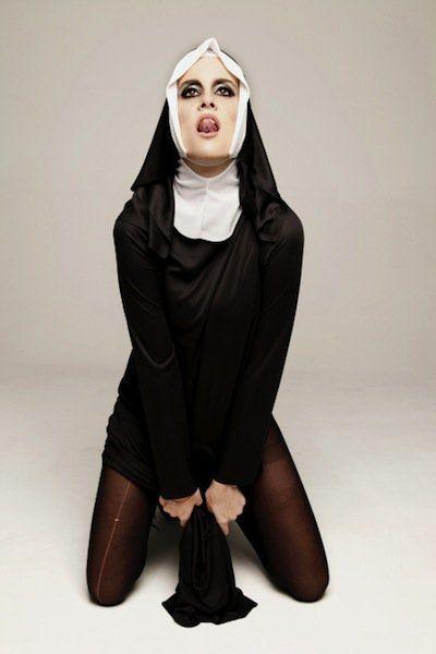 Obscenity: éxtasis religioso y sexual