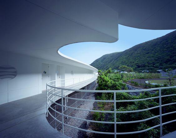 Hôtel et centre of thalassothérapie à project of Mr.Shu Uemura design by  Ciel Rouge Création