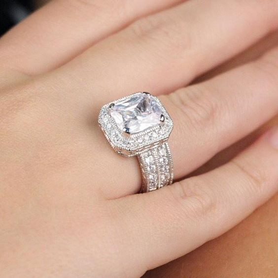 khloe kardashian engagement ring price 23 wedding dresses pinterest khloe kardashian engagement ring prices and kardashian - Khloe Kardashian Wedding Ring